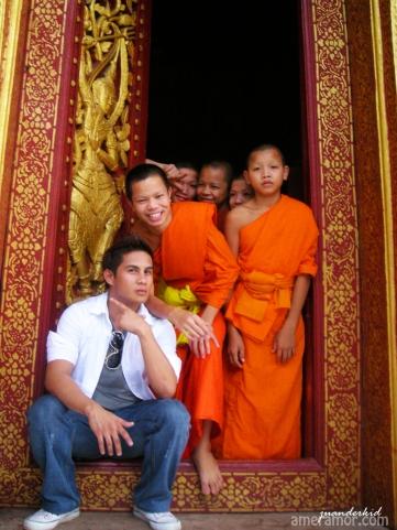 luang monks